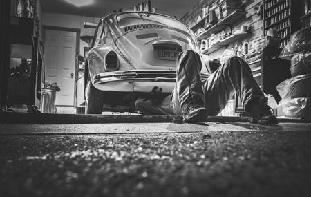 Keuntungan Service AC Mobil di Bengkel Dekat Rumah AC mobil sangatlah mempengaruhi kenyamanan kita di dalam mobil. Apabila ac mobil rusak, maka akan sangat tidak nyaman, karena suasana yang panas, pengap, dan membuat gerah. Ac rusak dapat mengganggu aktivitas kita dalam berkendara. Jika ac mobil sudah tidak bisa mengeluarkan suhu udara yang dingin, tentu saja […]