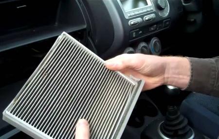 Bagaimana Cara Membersihkan Filter Udara pada Mobil? Bagaimana Cara Memasang Filter Udara pada Mobil? Apa jadinya ac mobil tanpa adanya filter udara? Selaku pemilik mobil, kita sudah tahu kalau filter udara memiliki tugas yang sangat penting dalam sistem kerja ac. Filter udara berfungsi sebagai penyaring udara yang masuk dan udara yang keluar. Alhasil, udara yang […]