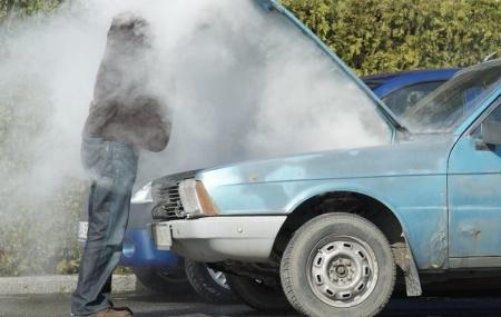 Kelebihan kendaraan roda empat daripada motor adalah kenyamanan. Suasana yang tenang dan hawa yang dingin itu salah satu bagiannya. Karena itu AC mobil yang dingin sudah wajib buat pengendara. Sayangnya ada saja masalah AC mobil bisa mengganggu kenyamanan itu. Kondisi mesin sudah siap menjelajah jalan raya. Tetapi AC mobil yang kurang dingin membuat suasana ruangan […]