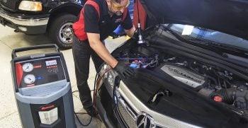 Perawatan Rutin Ke Bengkel Resmi Cara Menghindari AC Mobil Bau